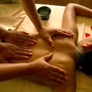 massage 4 mains lotus vedhyana